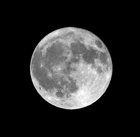moon0327113_1.jpg