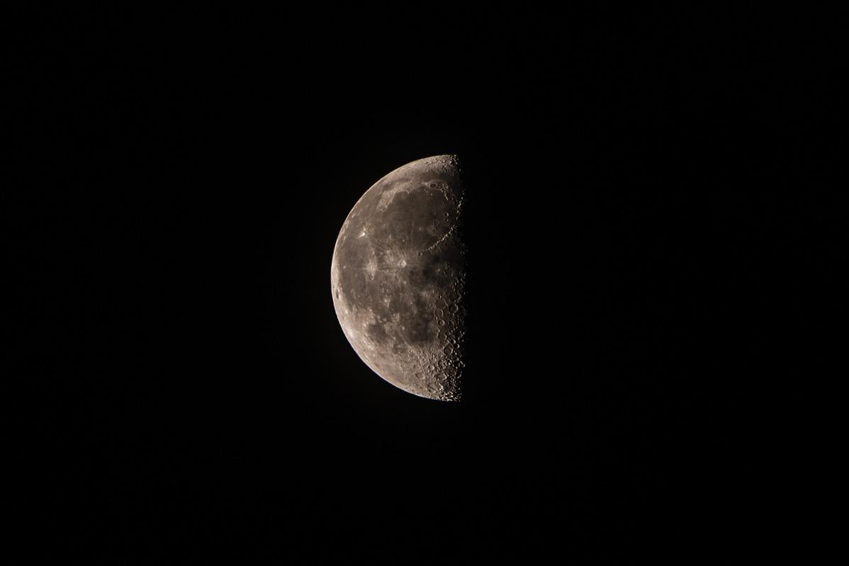 Moon20151203